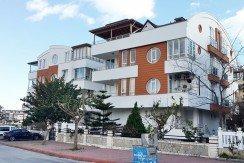 Satilki Daire Konyaaltı Antalya'da denize yakin